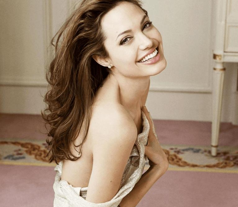 Angelina Jolie be makiažo