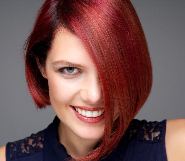 Plaukų dažymas: 7 patarimai, kad atspalvis išliktų ilgiau