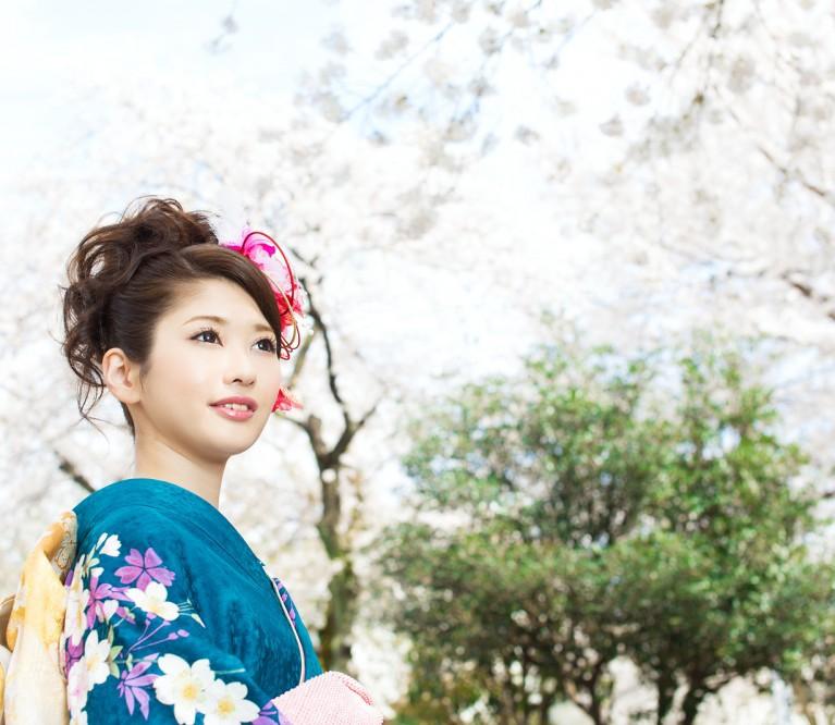 Japonų metodika: veido odos atnaujinimas ir patempimas