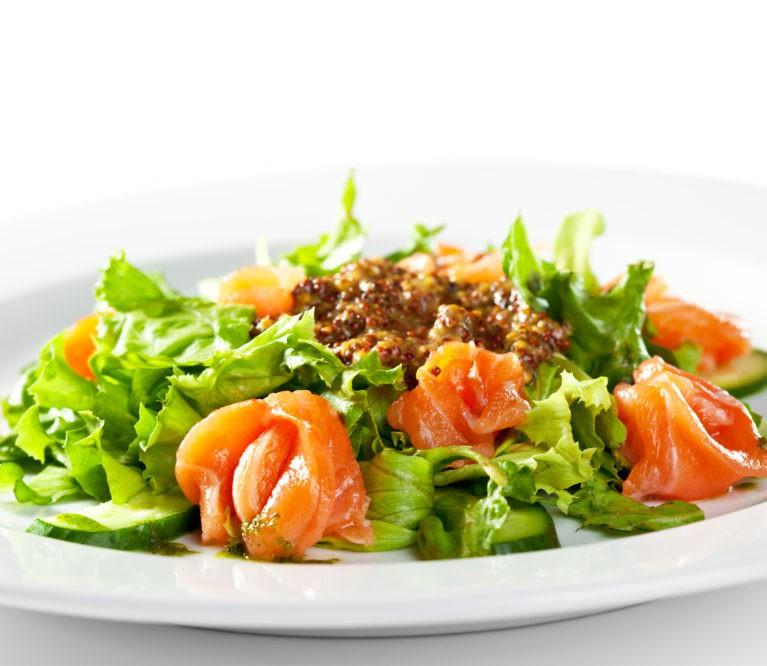 Mitybos specialistės patvirtintas receptas: salotos, mažinančios apimtis, bet puoselėjančios grožį