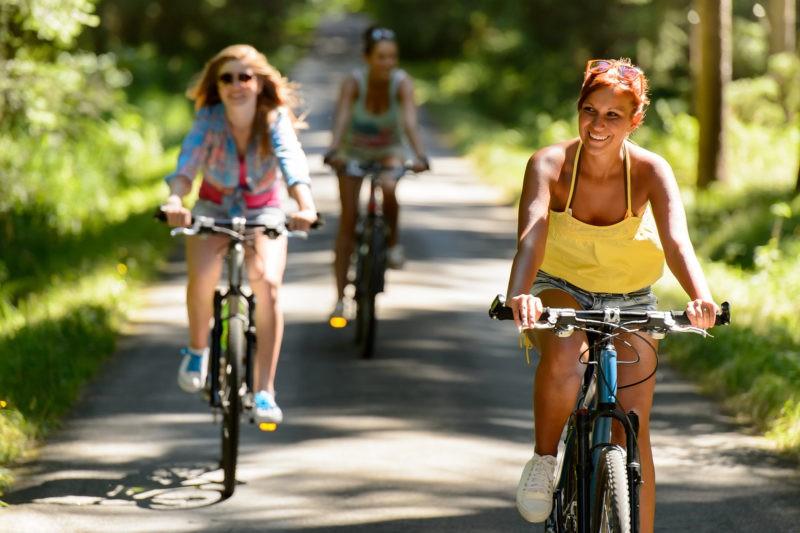 Ką verta prisiminti važinėjantiems dviračiu?