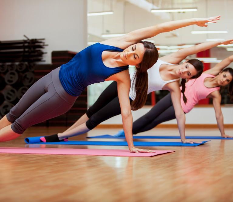 5 pratimai pilvo, nugaros ir kojų raumenims stiprinti