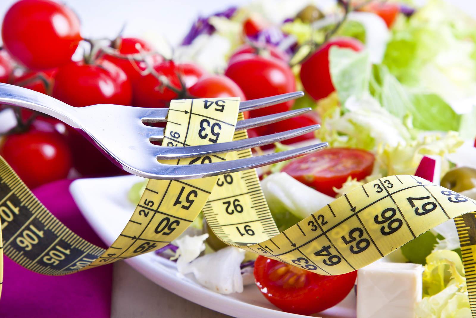 Bandantiems priaugti svorio sveikai: kokius produktus rinktis ir kaip valgyti?