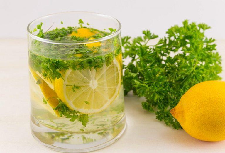 Efektyvus 2 ingredientų gėrimas svorio metimui vos per 5 minutes