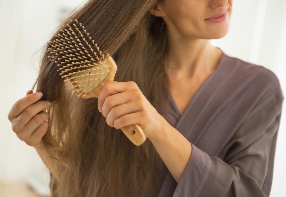 Viskas apie plaukų slinkimą: 10 priežasčių ir 15 natūralių priemonių