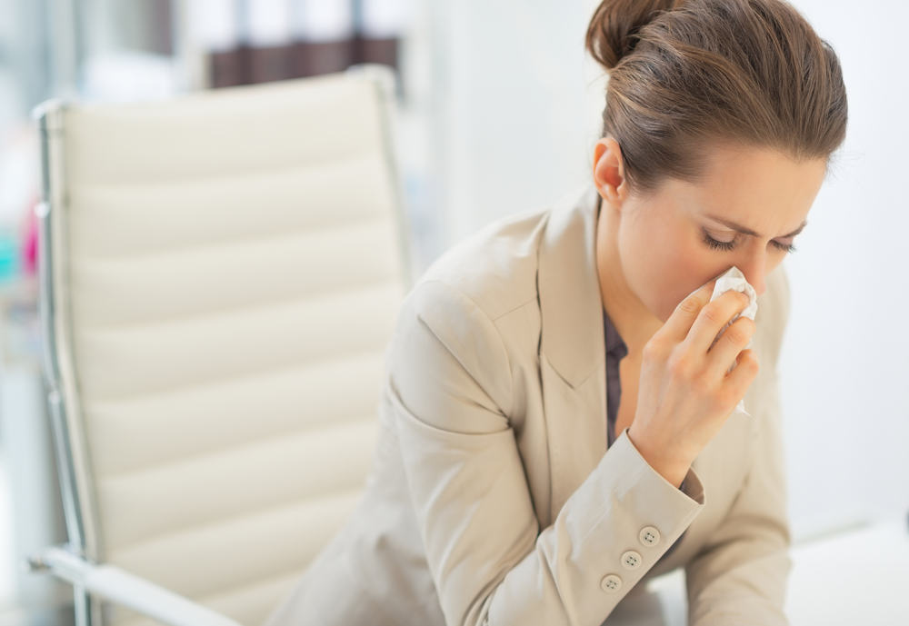 Galvojate, kad kosulys ar sloga – per menka priežastis neiti į darbą?