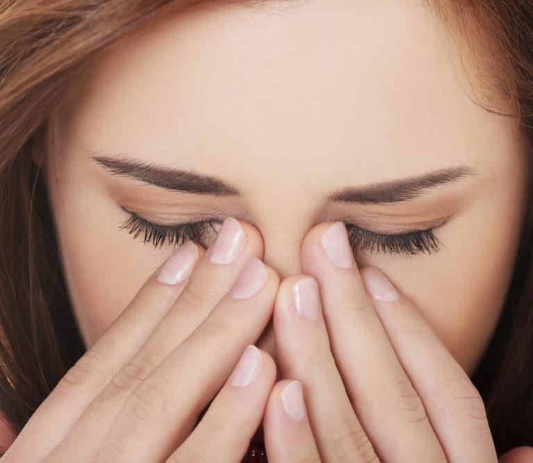 Sinusų masažas padės gydyti sinusitą namuose