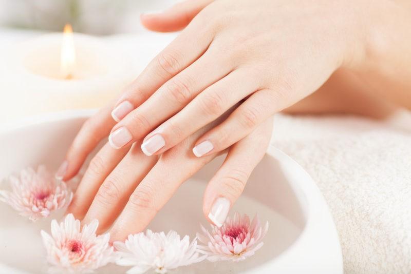 Rankų dezinfekcija – ne tik apsauga nuo virusų, bet ir išbandymas odai: sausėja, raudonuoja, peršti