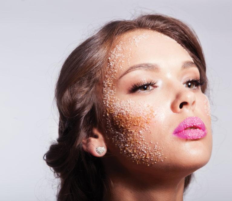 Rafinuotas cukrus – odos grožio priešas