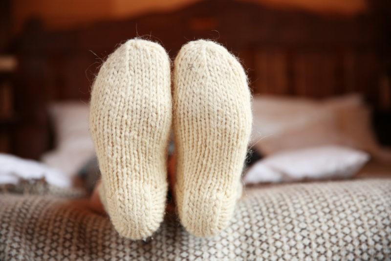 Šiltai apautos kojos – stipresnis imunitetas?