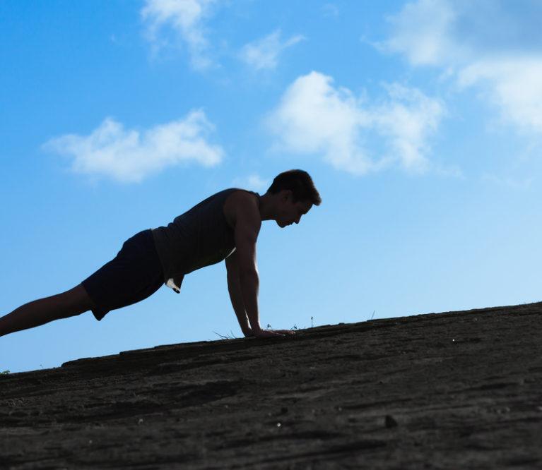 4 pratimai, kuriuos privalai daryti jeigu nori tvirto kūno
