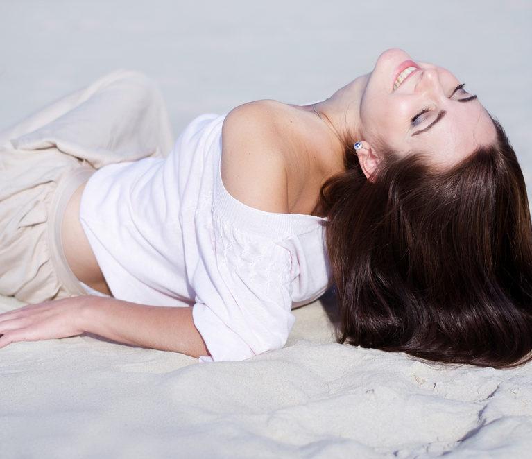 Plaukų priežiūra aliejais – spindintys ir sveiki plaukai vasarą