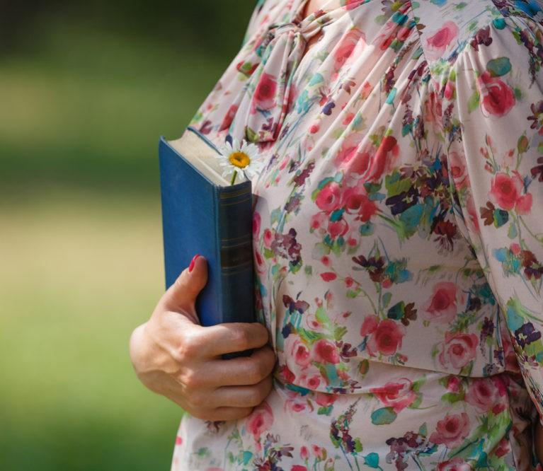 10 gyvenimą pakeisiančių knygų, kurias turėtų perskaityti kiekviena moteris