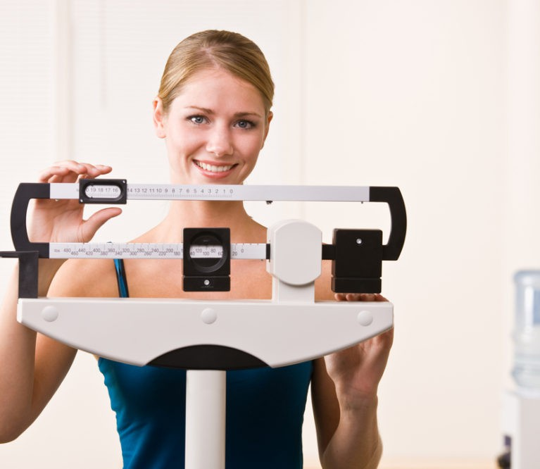 10 minimalių pastangų reikalaujančių pokyčių, padėsiančių pasiekti idealų svorį