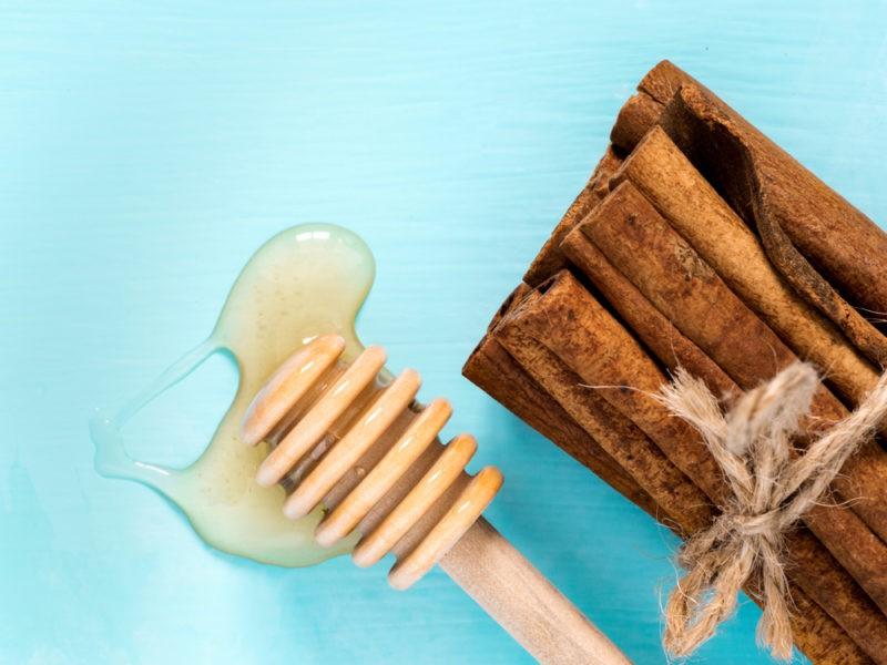 Medus ir cinamonas: vaistas nuo 12 ligų