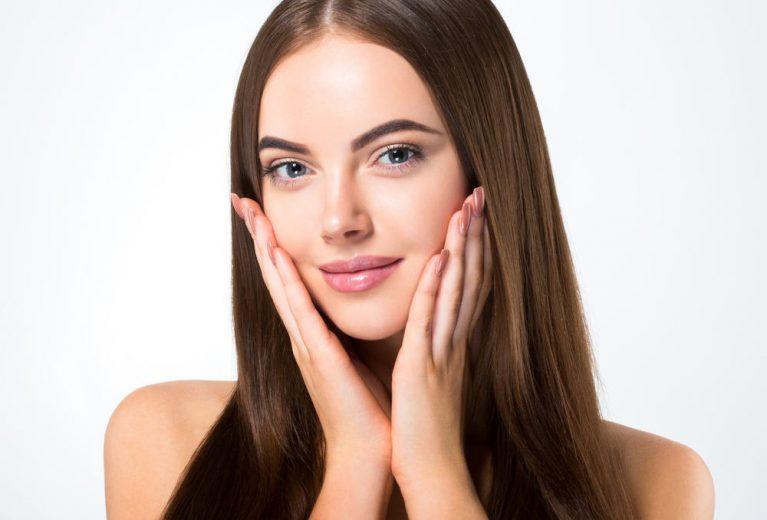 Išsamiausias odos priežiūros žiemą gidas: 25 patikimi specialistų patarimai