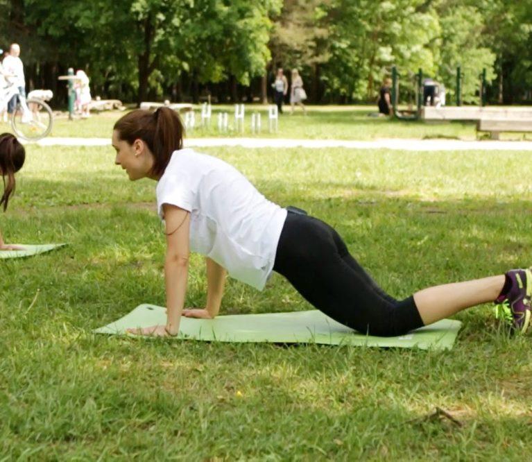 Video treniruotė: jėgos pratimai savo kūno svoriuVideo treniruotė: jėgos pratimai savo kūno svoriu